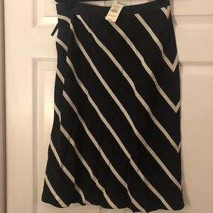 Banana Republic Silk skirt